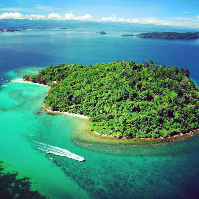 Read more about the article The beautiful Manukan Island