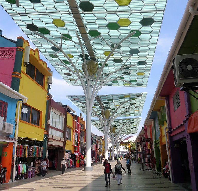 Read more about the article Beautiful Rainforest-themed canopy enveloped the street of Jalan India, Kuching